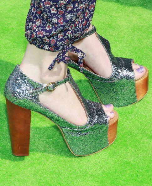 Los tacones gruesos y anchos, ya sea en zapatillas, mocasínes o sandalía...