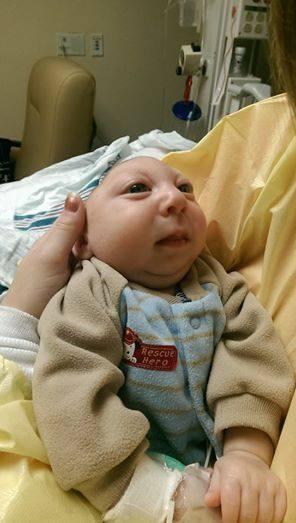 Jaxon nació con una condición que hace que no tenga gran parte de su cer...