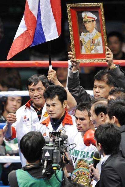 El tailandés Oleydon Sithsamerchai ganó y retuvo el cinturón mínimo CMB.