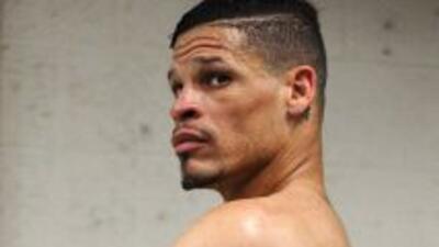 El boxeador Orlando Cruz decidiò usar la bandera gay en su pelea el sàbado