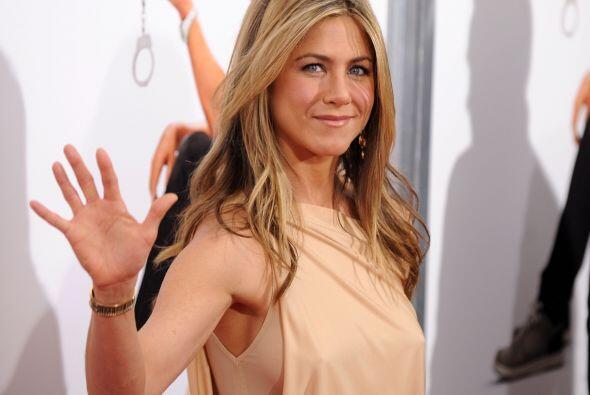 Una ventaja que Aniston tiene y se nota es que conoce su tipo de cuerpo...