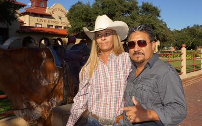 El Feo en un toro de cuernos largos en Fort Worth