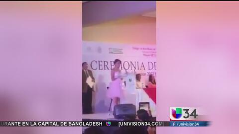 Estudiante de Oaxaca reprocha al gobernador del estado en discurso de gr...