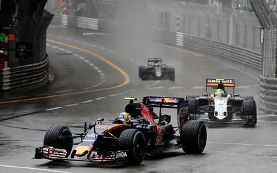 Sergio Pérez sorteó un complicado clima durante la carrera