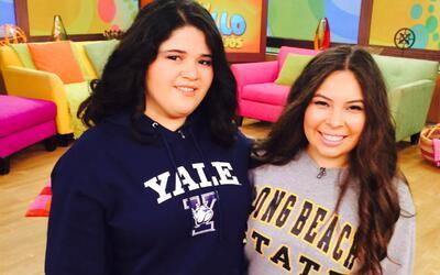 Gloria Castañeda y Ashley Batres, dos de las ganadoras de las becas.