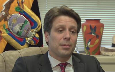 Canciller de Ecuador asegura que habrá ayuda para sus connacionales inmi...