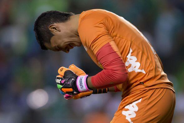 Jugó todo el partido, vio la tarjeta amarilla al minuto 84, tuvo seis at...