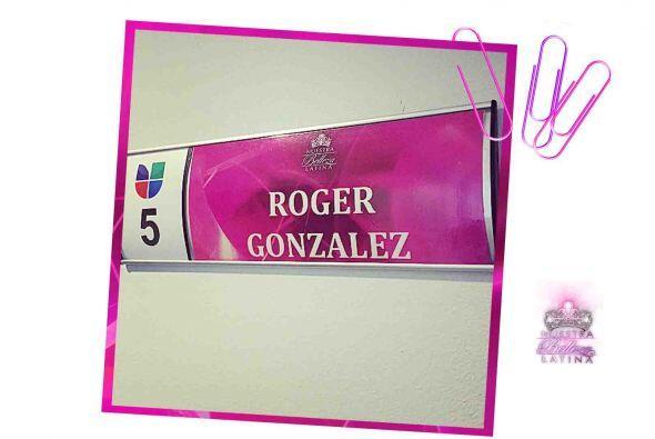 Roger comenzó a los 11 años de edad su carrera dentro de los medios. Dur...