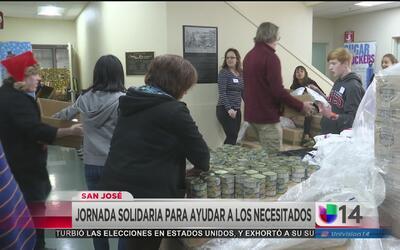 Voluntarios de San José preparan tradicional comida de fin de año para n...