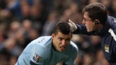 El delantero argentino se lastimó la rodilla en el duelo ante Everton.