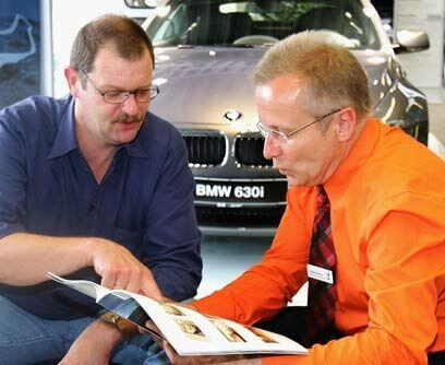 BMWSi te portaste muy bien en 2010 puedes regalarte un auto de lujo como...