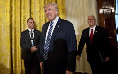 Donald Trump durante el nombramiento de altos funcionarios de la Casa Bl...