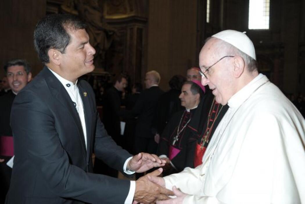 El 20 de abril tuvo un encuentro con Rafael Correa, presidente de Ecuado...