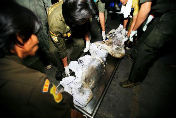 1 enero 2009, Tailandia: 66 personas que festejaban el fin de año...
