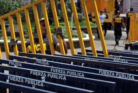 Los costarricenses están un poco sorprendidos de ver a polic&iacu...