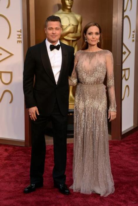 ¡Pareja de guapos! Brad Pitt se enfundó en Tom Ford y Angelina Jolie en...