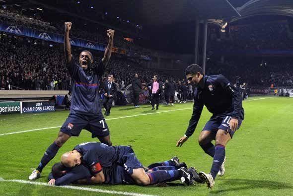 En el último minuto el argentino Lisandro empató el partid...