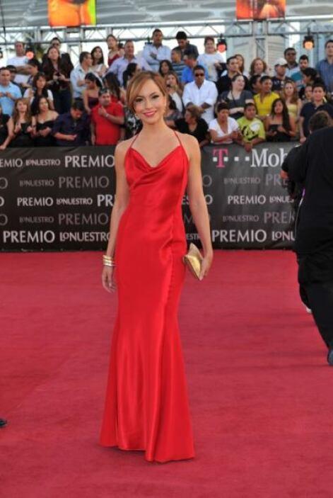 Satcha Pretto, una verdadera belleza con este vestido rojo.