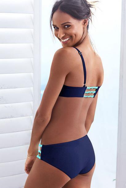 Esta otra combinación, le da un toque aún más 'sport' al bikini.
