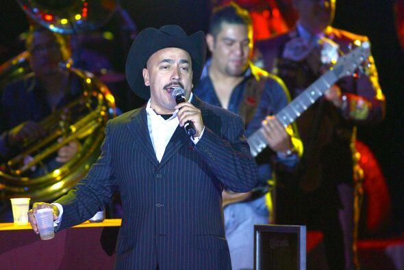 Lupillo Rivera pegó tremendo susto a sus fans cuando comenz&oacut...