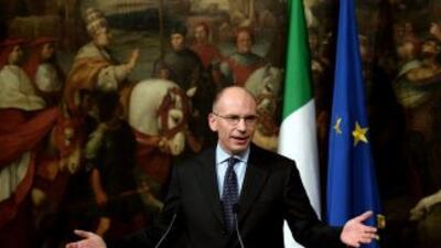 Tras menos de un año a la cabeza del gabinete, Enrico Letta anunció su r...