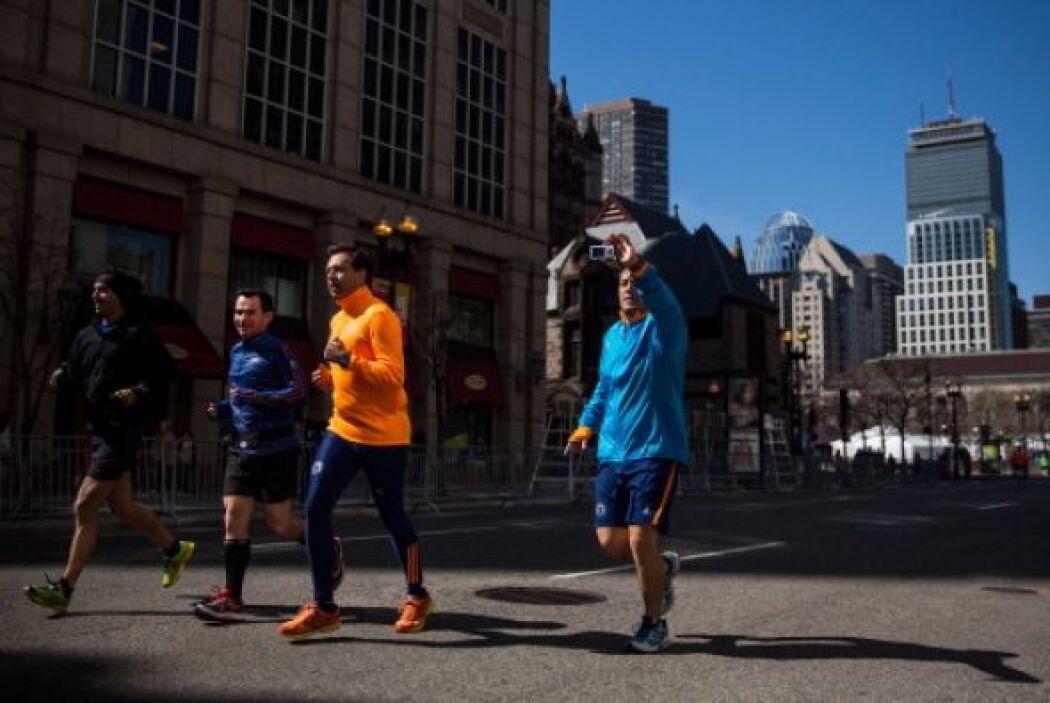Los corredores han tomado la ciudad sin más preocupación que registrar u...
