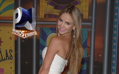 Sexys, radiantes y bellas asi lucieron las mujeres de Premios Juventud