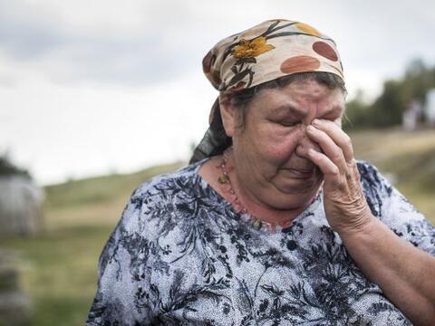 Entre rezos y lágrimas, los vecinos de Grabovo recordaron a las v...