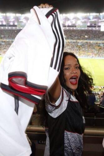 Estaba feliz en el estadio. Mira aquí los videos más chismosos.