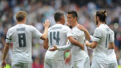 Cristiano celebra con sus compañeros