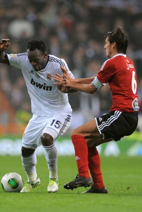 El equipo gallego comenzó a presionar y el Madrid se vio en problemas.
