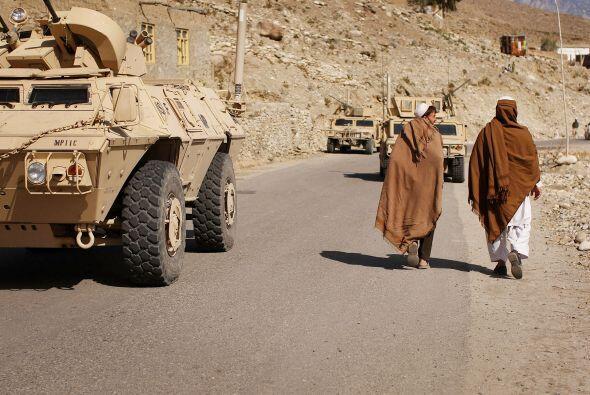 El atacante, quien también murió, era un conductor de la Policia afgana...