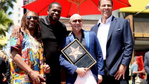 El homenajeado con Lil Jon, Luther Campbell y Tony Robbins.