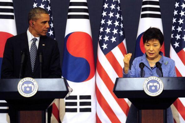 Barack Obama y la presidenta surcoreana, Park Geun-Hye, dan una conferen...