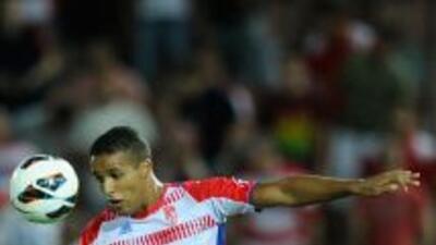 El Arabi anotó el primero del Granada.