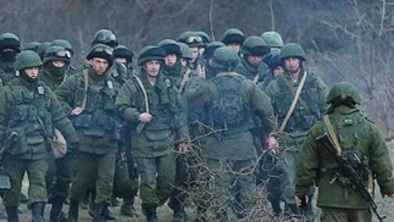 Las fuerzas rusas han tomado el control de numerosas instalaciones milit...