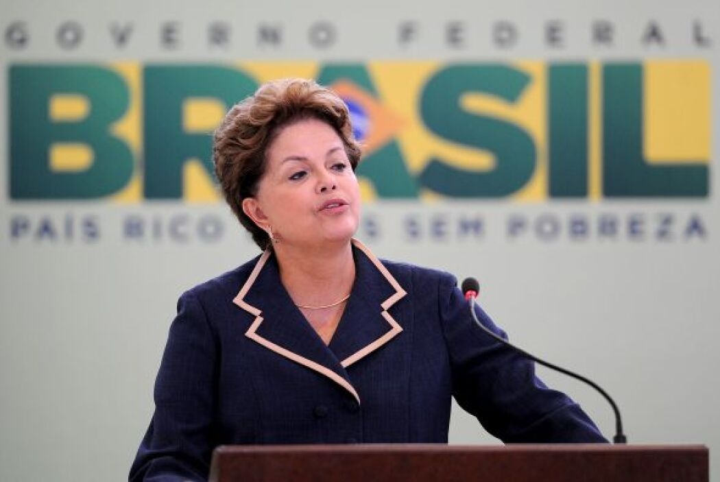 "DILMA ROUSSEFF. También aparecen otros dirigentes. ""La presidenta Rousse..."