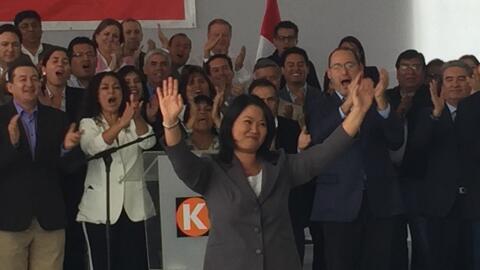 Fujimori reconoció la derrota rodeada del equipo de Fuerza Popular.