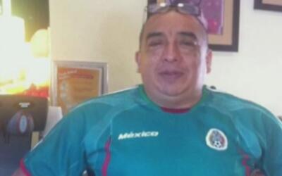 Activistas luchan por detener la deportación de Gerardo Martínez, arrest...