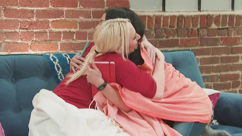 Con un abrazo, Mary y Carmen dejaron atrás todo el drama que vivieron