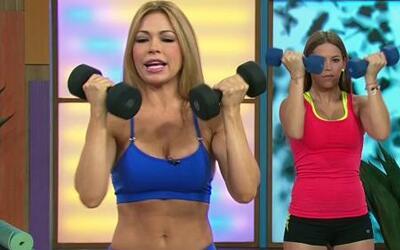 Claudia Molina te muestra cómo hacer pesas sin volverte musculosa