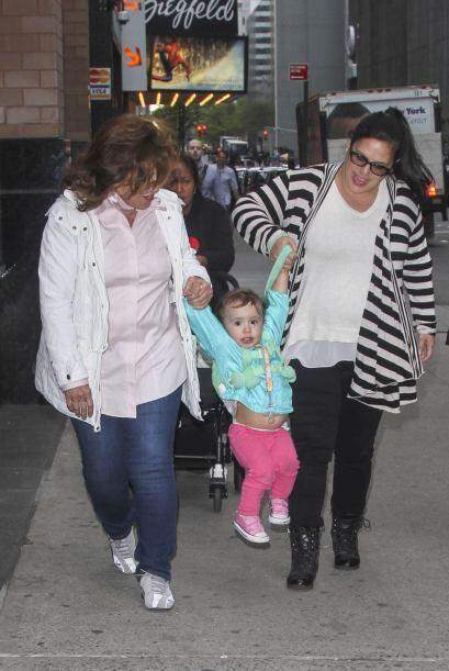 La actriz tiene cerca de cuatro meses de embarazo, el bebé que ro...
