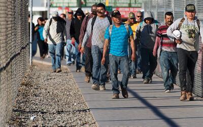'Somos mexicanos', campaña para que las personas de México puedan volver...