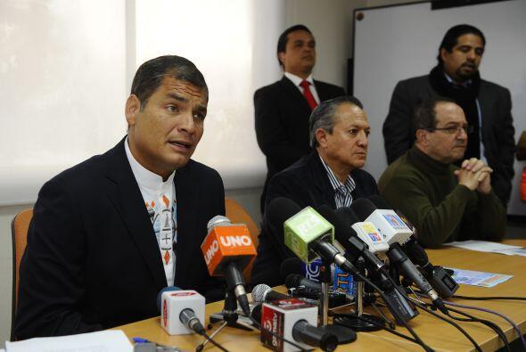 El presidente de Ecuador, Rafael Correa, encabezó una reunión de urgenci...