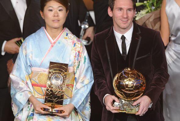 Los dos mejores futbolistas del 2011, a nivel femenil y varonil.