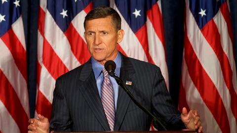 ¿Qué factores determinaron la renuncia de Michael Flynn?