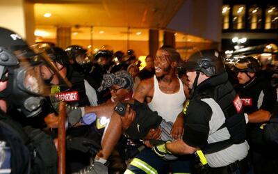 Declaran estado de emergencia en Charlotte tras segundo día de violentas...