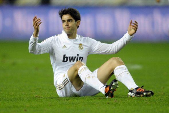 Luego ingresó el brasileño Kaká. El talentoso sufri...