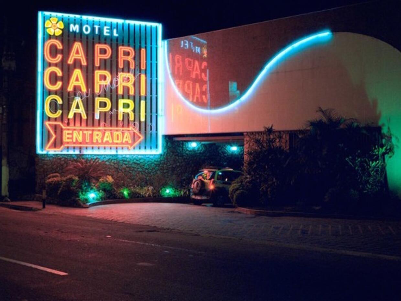 """No es un casino, no es un club nocturno: este edificio es un """"motel..."""