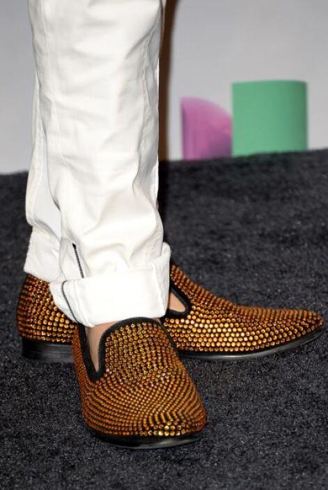 ¿Qué tal estos zapatos? Hasta las aplicaciones de brillo predominaron en...